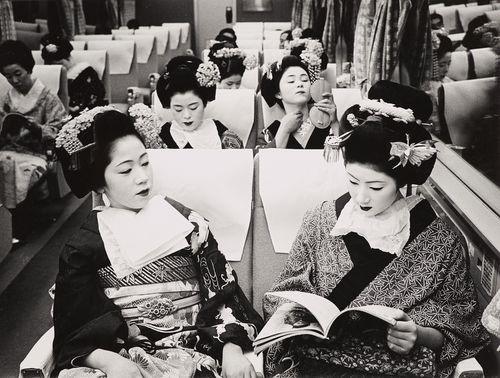 Timm Rautert, Tokaido Express, Tokio, 1970  © Timm Rautert
