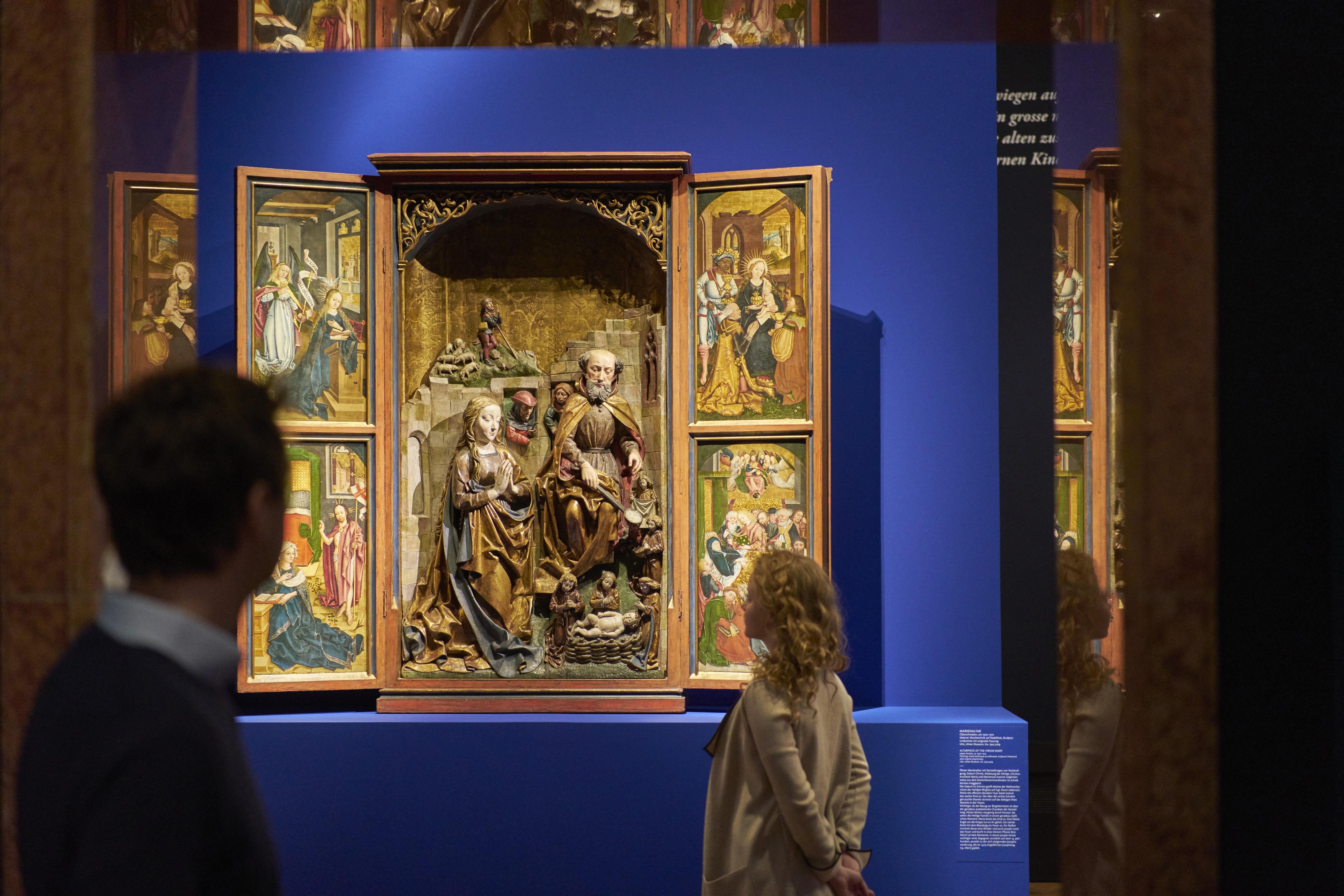 Ausstellungsansicht 'Heilige Nacht'. Foto Liebieghaus Skulpturensammlung Liebieghaus