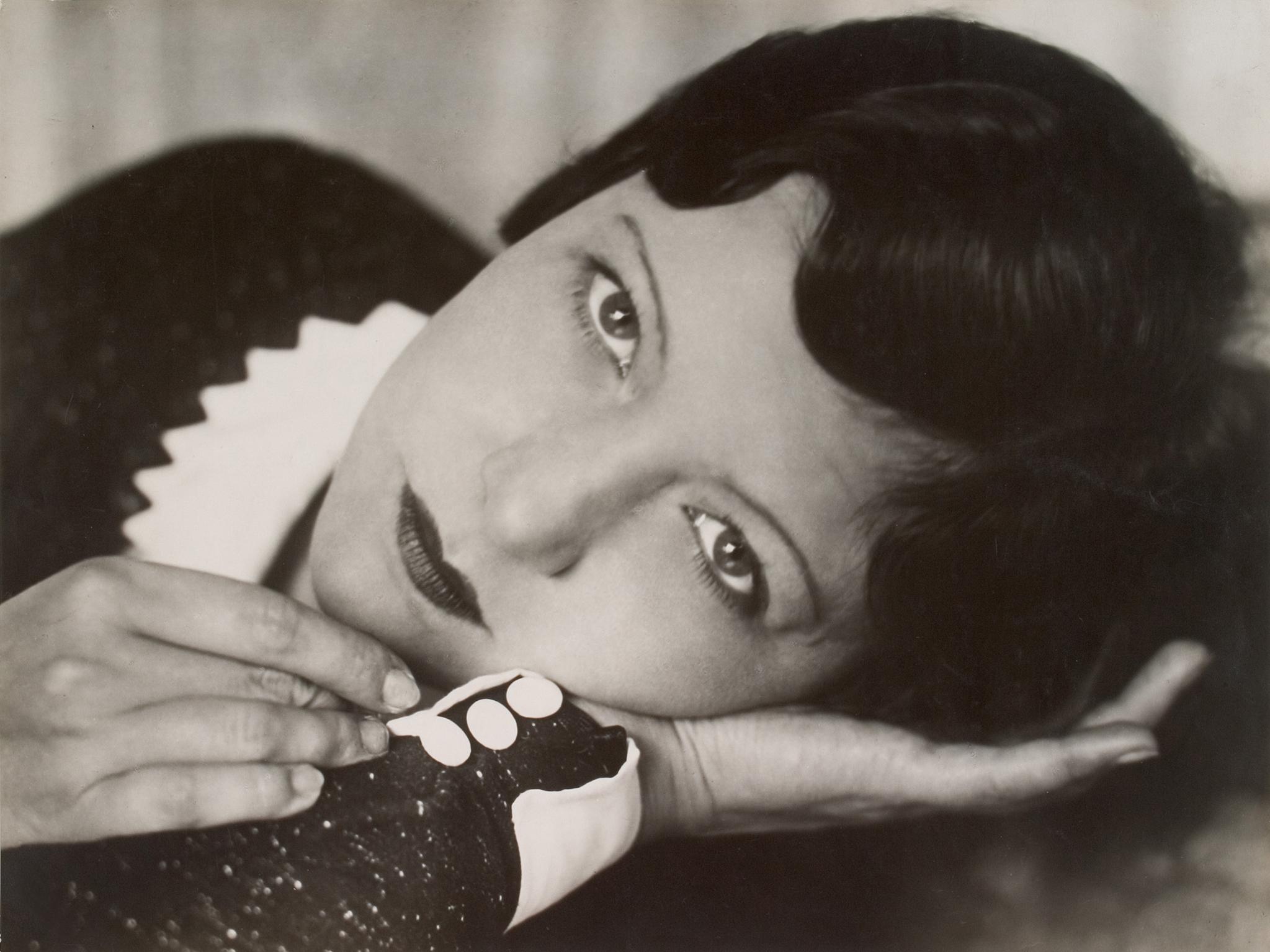 Annelise Kretschmer, , Portrait Ellice Illiard, 1931, Vintage, Silbergelatine-Abzug © Christiane von Königslöw
