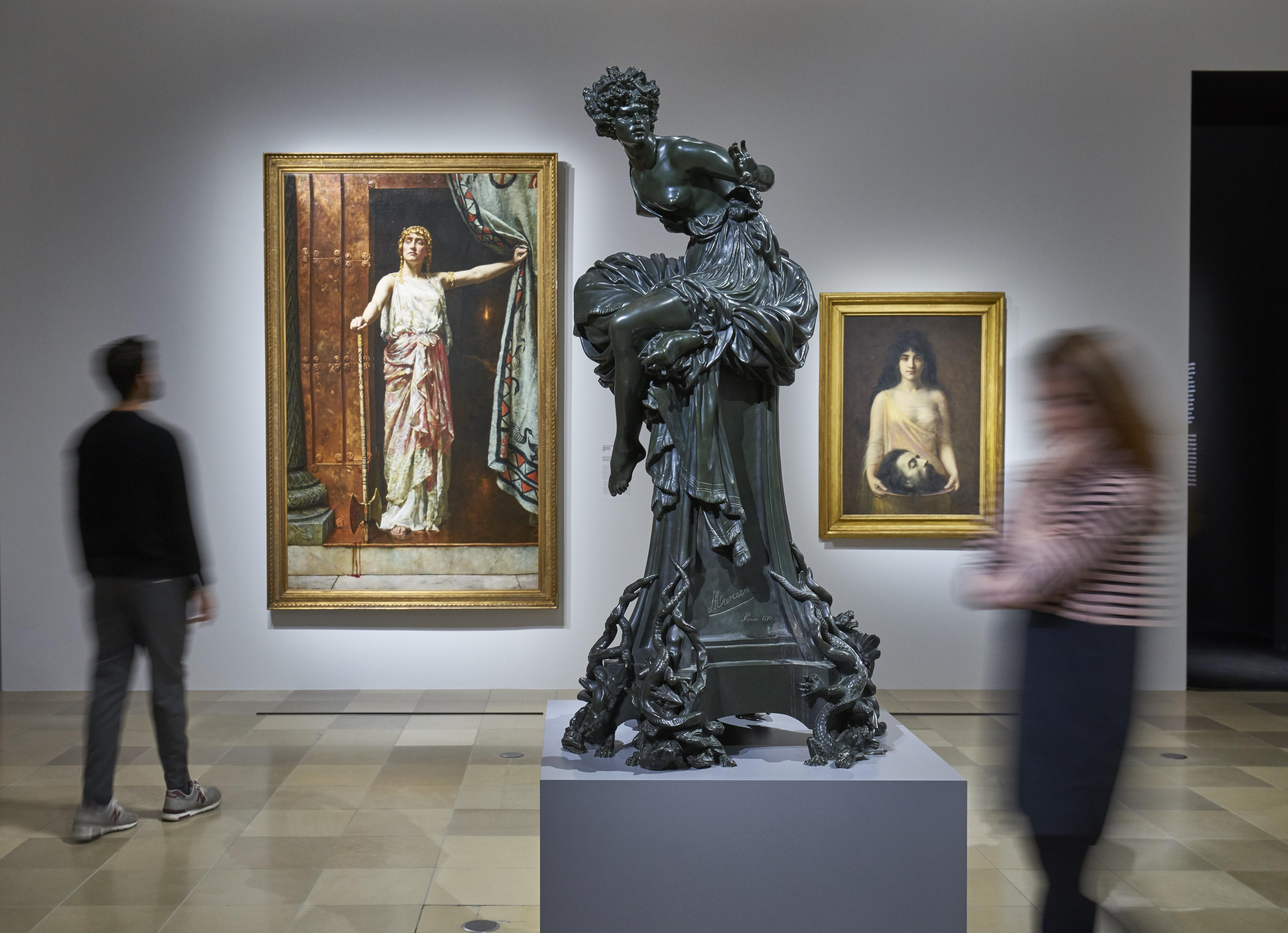 Ausstellungsansicht 'Geschlechterkampf. Franz von Stuck bis Frida Kahlo'. Foto: Städel Museum