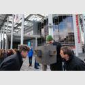 Feierliche Eröffnung der Kunsthalle Marcel Duchamp. Links: Dr. Ralf Beil, Direktor des Kunstmuseum Wolfsburg, Mitte: Künstler Stefan Banz. Links: Oberbürgermeister Klaus Mohrs Foto: Christian Burkert